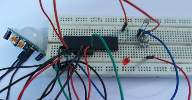 Автоматический свет на лестнице с помощью микроконтроллера AVR ATmega32: внешний вид устройства