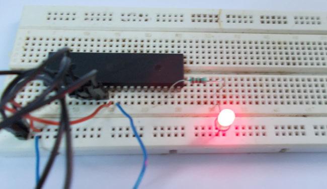 Мигающий светодиод на микроконтроллере AVR ATmega32: внешний вид конструкции