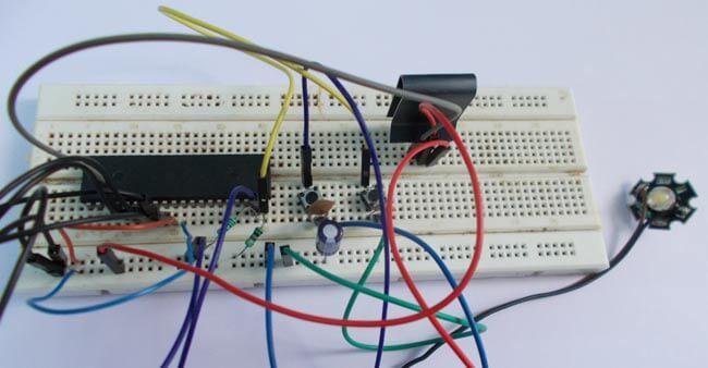 Регулятор силы свечения светодиода на микроконтроллере AVR ATmega32: внешний вид устройства