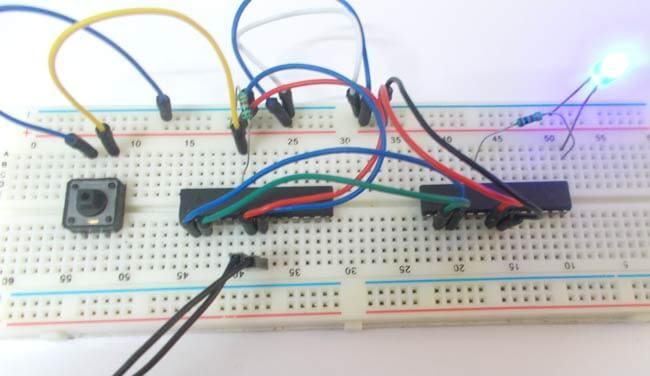 Взаимодействие двух микроконтроллеров AVR ATmega8 через UART: внешний вид