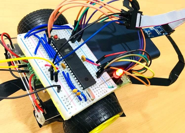 Движущийся вдоль линии робот на микроконтроллере AVR ATmega16: внешний вид конструкции