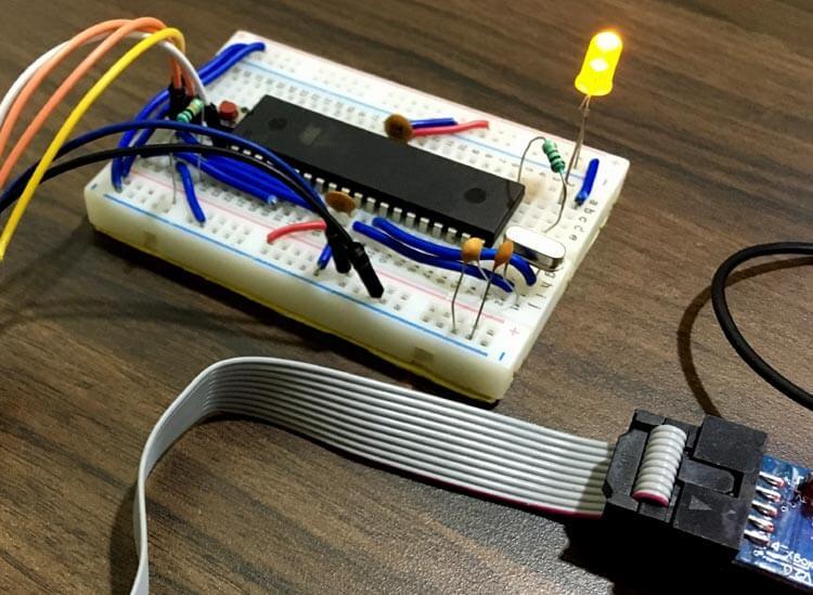 Использование широтно-импульсной модуляции (ШИМ) в микроконтроллерах AVR ATmega16: внешний вид конструкции