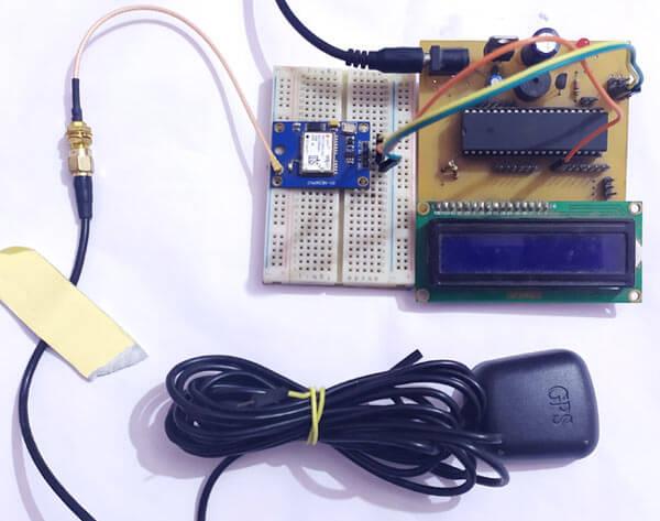 Подача питающего напряжения и подключение антенны