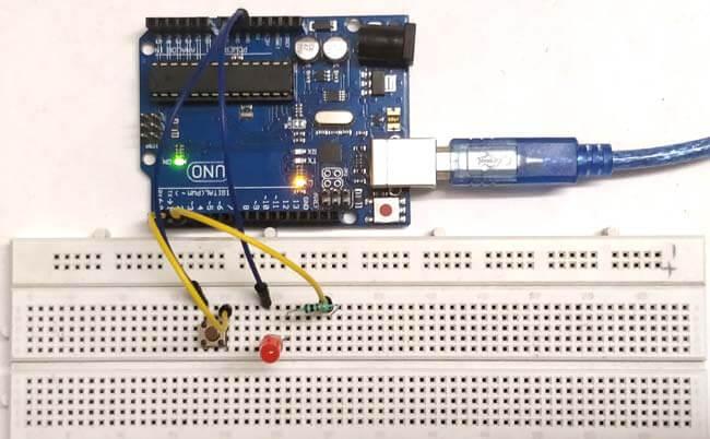 Как начать работу с Arduino Uno: простейшая схема