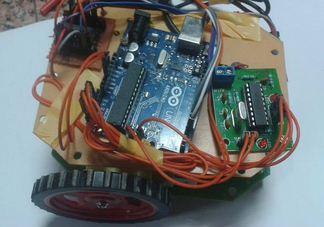 Робот на Arduino управляемый с помощью DTMF сигналов: внешний вид