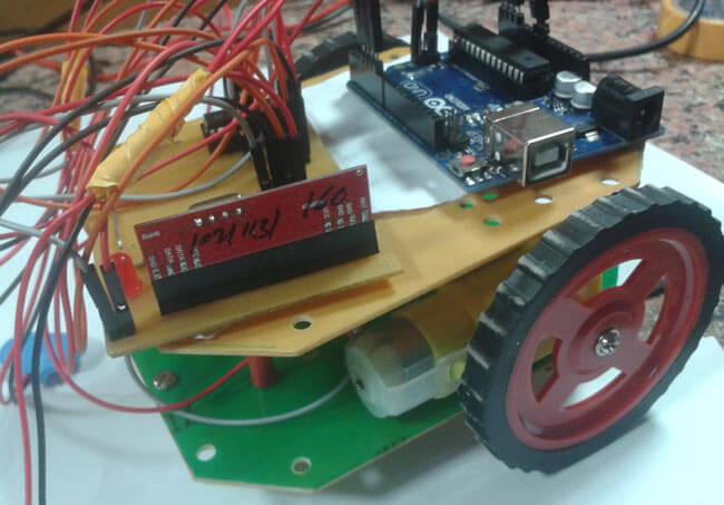Внешний вид робота на Arduino управляемого с помощью жестов рук и акселерометра