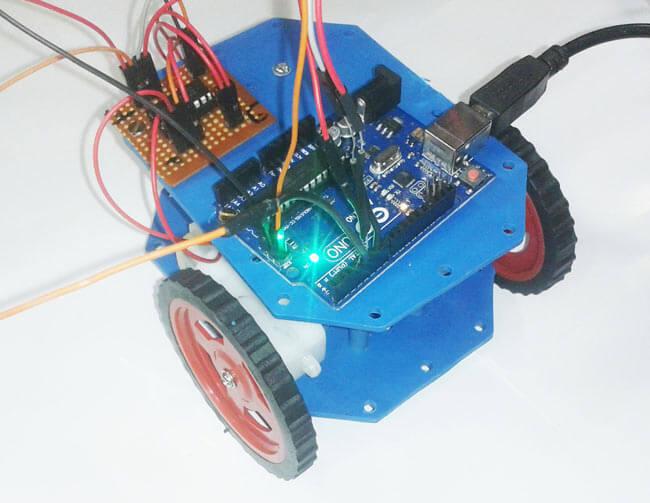 Внешний вид робота на Arduino Uno, управляемого с компьютера