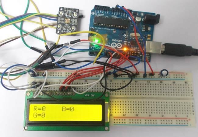 Внешний вид детектора цвета на Arduino Uno