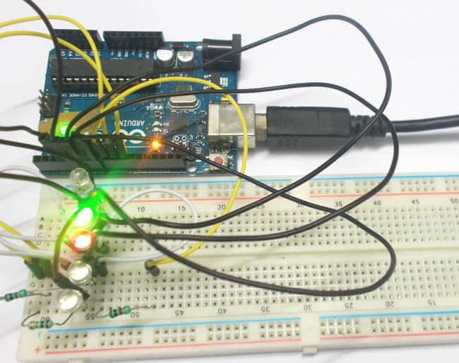 Внешний вид подключения нескольких трехцветных светодиодов к Arduino Uno