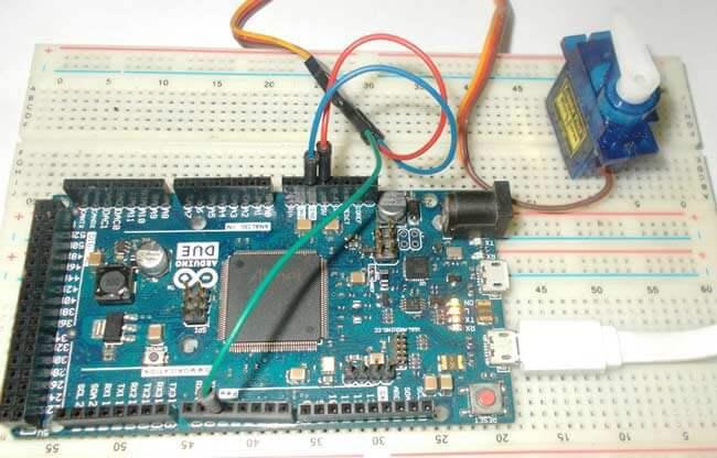 Подключение серводвигателя к Arduino Due: внешний вид конструкции