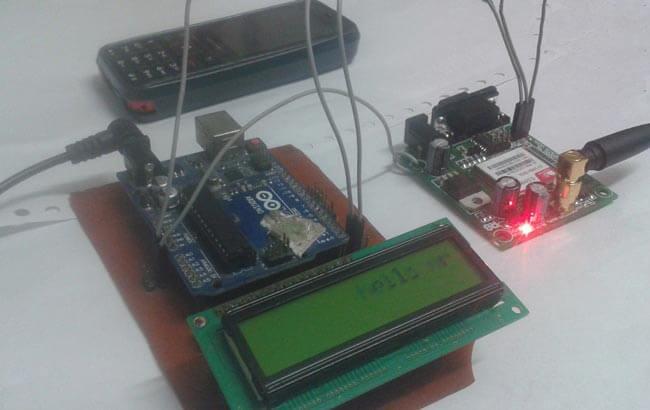 Внешний вид беспроводной доски объявлений с использованием GSM и Arduino