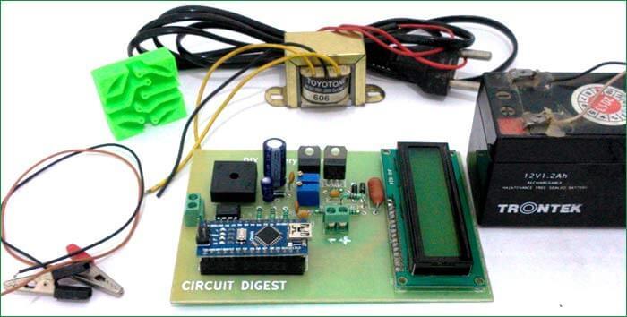 Внешний вид зарядного устройства на 12 В на основе Arduino и LM317