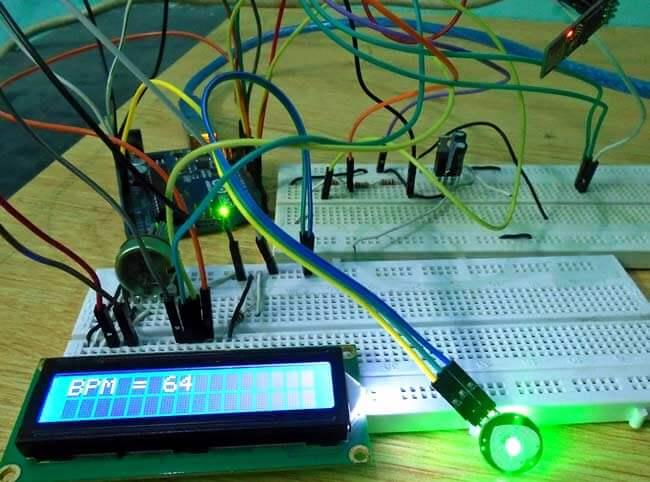 Внешний вид устройства для мониторинга сердечного пульса на Arduino через интернет