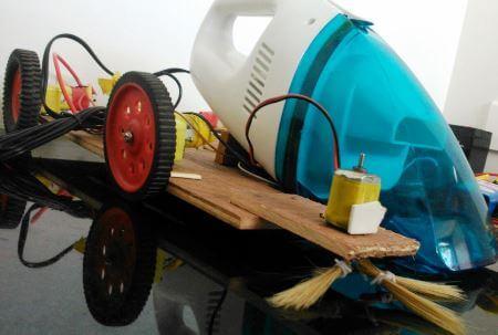 Установка дополнительных щеток на нашего робота