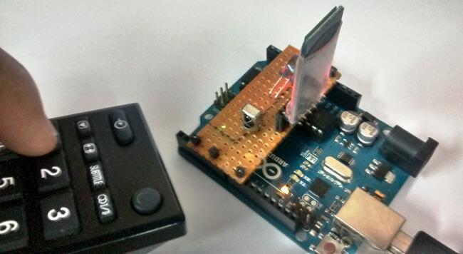 Внешний вид универсального инфракрасного пульта ДУ на основе Arduino