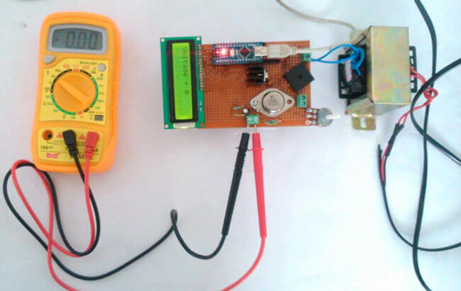 Внешний вид источника напряжения питания 0-24В 3А на Arduino и LM338