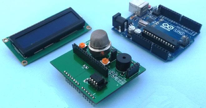 Внешний вид детектора дыма в виде платы расширения для Arduino