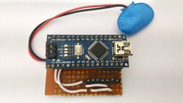 Схема размещения платы Arduino и резисторов на точечной плате
