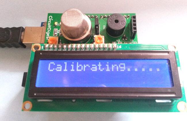 Внешний вид детектора дыма на Arduino и датчике газа MQ2