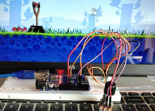 Внешний вид контроллера для игры Angry Bird на основе Arduino, гибкого датчика и потенциометра
