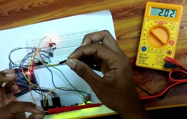 Тестирование работы нашего амперметра с помощью мультметра