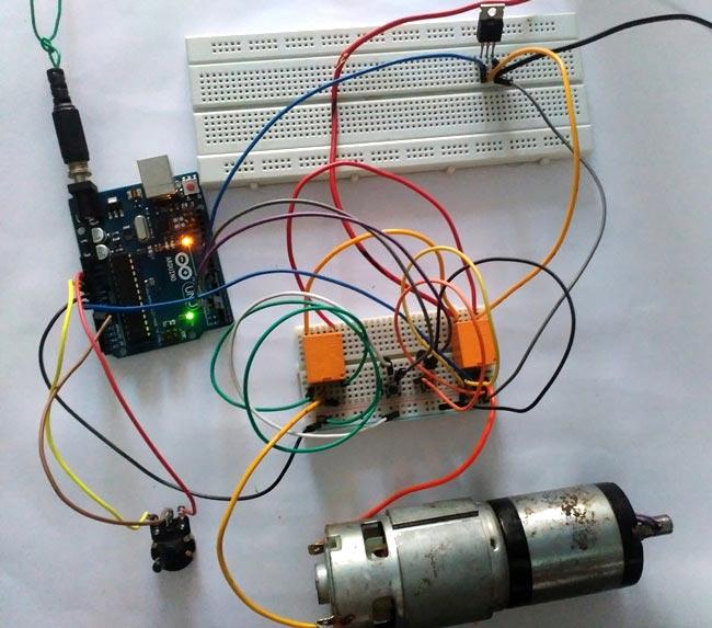 Внешний вид проекта управления скоростью и направлением вращения электродвигателя с помощью Arduino, реле и MOSFET