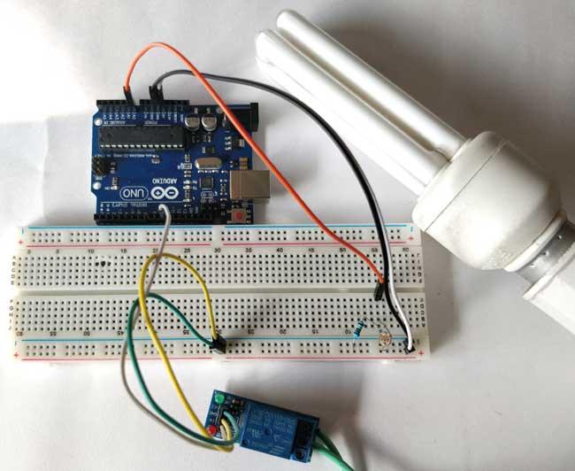 Собранная конструкция с фоторезистором