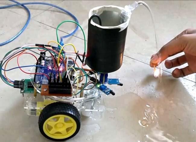 Наш робот для борьбы с огнем в действии