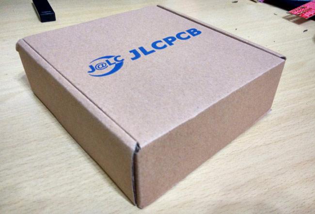 Коробка, в которой доставили печатную плату