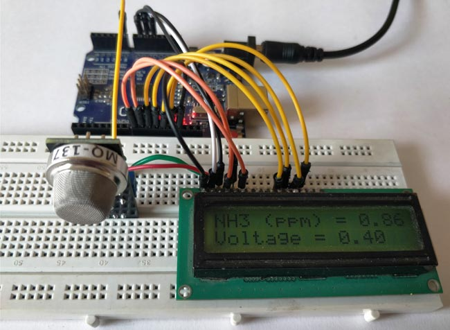 Внешний вид проекта для измерения уровня аммиака в воздухе с помощью датчика газа MQ-137 и Arduino