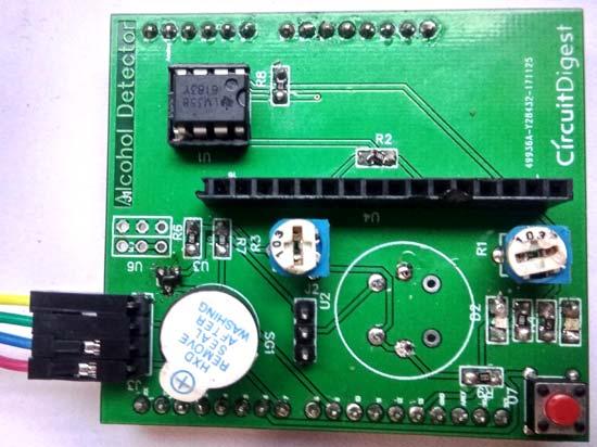Вид печатной платы детектора алкоголя после пайки компонентов