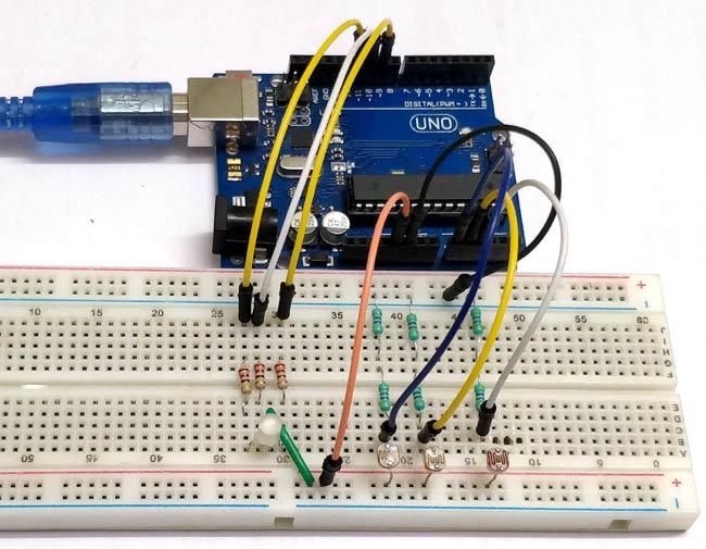 Внешний вид цветомузыки с использованием Arduino, трехцветного светодиода и фоторезисторов