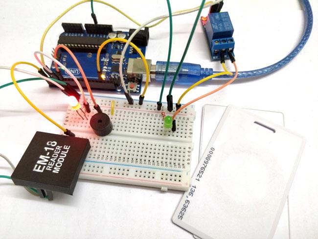Внешний вид проекта электронного замка на основе радиочастотных меток (RFID) и Arduino