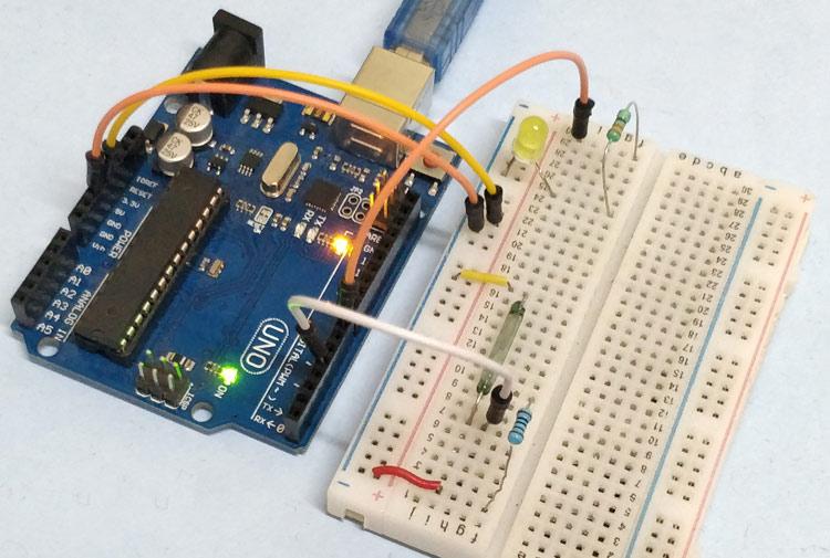Внешний вид подключения герконового переключателя (реле) к Arduino Uno