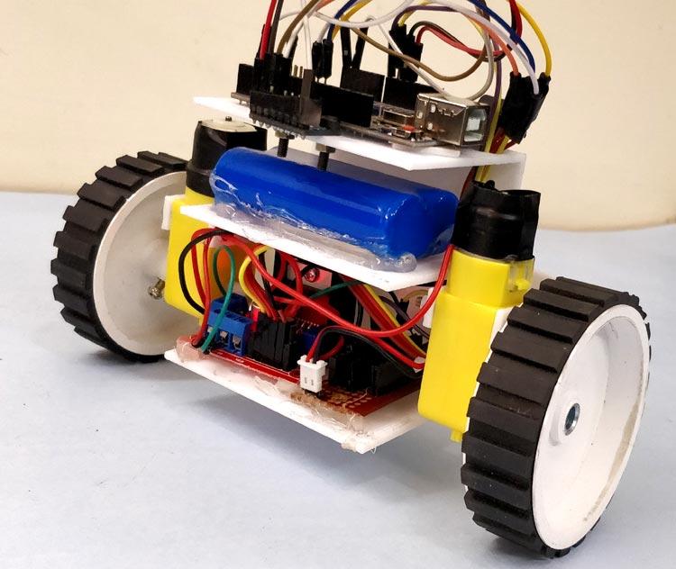 Внешний вид самобалансирующегося робота на Arduino Uno