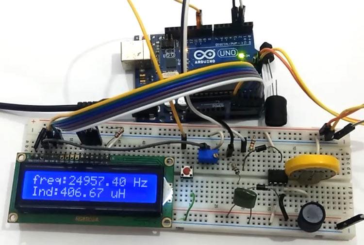 Внешний вид измерителя емкости и индуктивности на Arduino