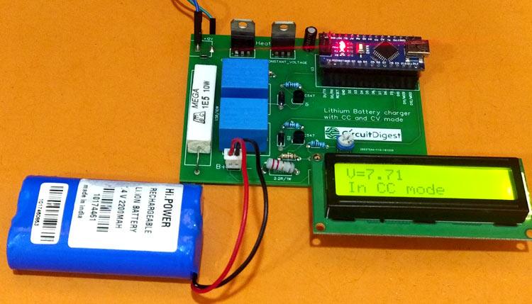 Внешний вид двухрежимного зарядного устройства литиевых батарей 7.4 В на основе Arduino