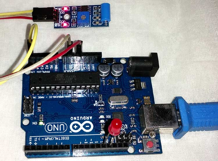 Внешний вид подключения датчика вибрации SW-420 к Arduino Uno