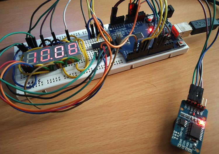 Внешний вид часов на Arduino и семисегментных дисплеях