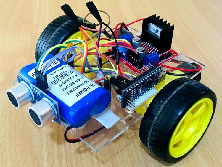 Внешний вид объезжающего препятствия робота на основе платы Arduino
