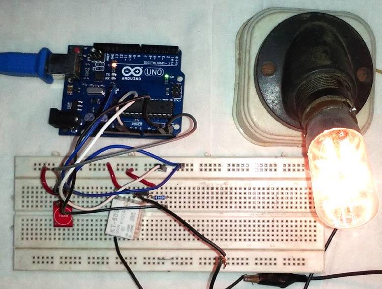Внешний вид проекта управления светом в доме с помощью сенсорного датчика и Arduino
