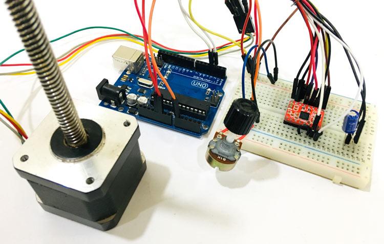 Внешний вид проекта управления шаговым двигателем NEMA 17 с помощью Arduino и драйвера A4988