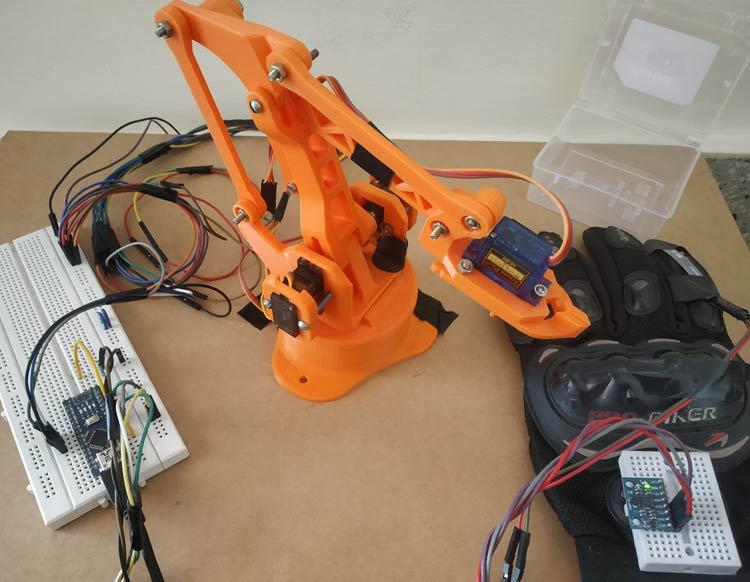 Внешний вид управляемой жестами роботизированная рука на основе платы Arduino