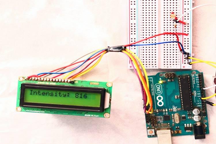 Тестирование работы проекта использования очередей в Arduino FreeRTOS