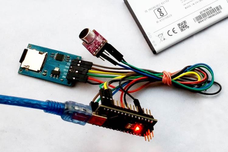 Внешний вид шпионского подслушивающего устройства на Arduino с записью голоса