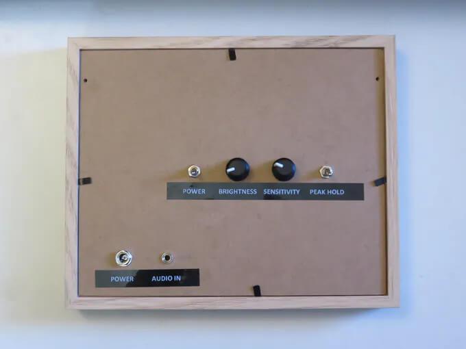 Внешний вид собранной конструкции измерителя уровня звука (вид сзади)