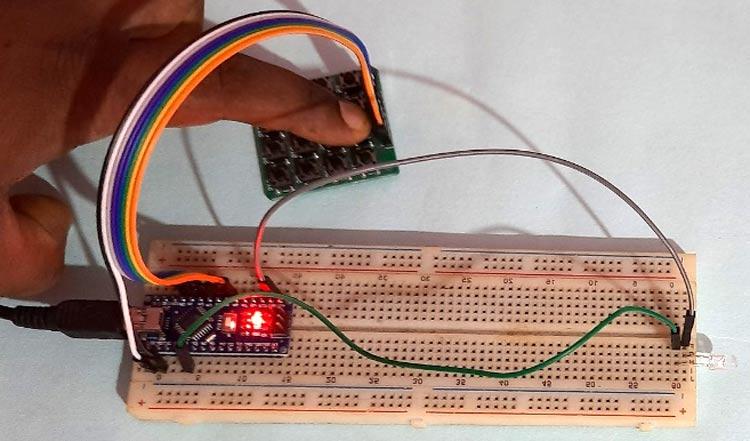 Нажатие кнопки в передающей части проекта