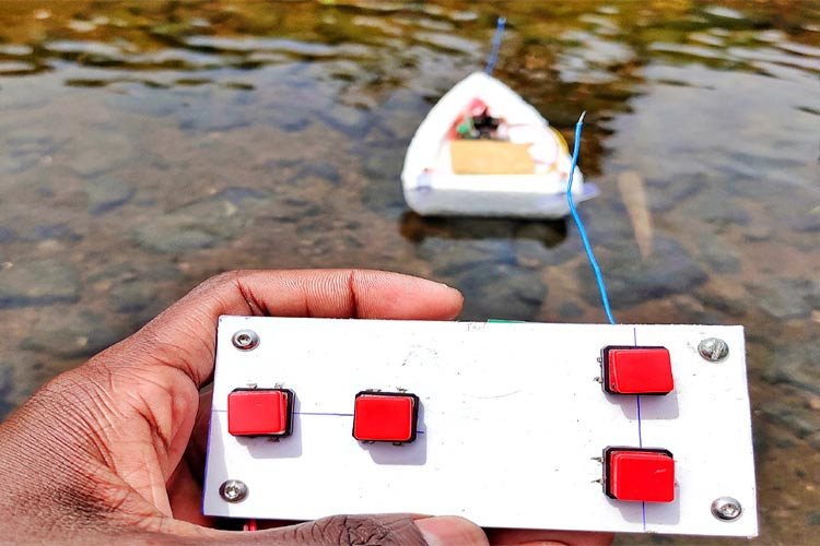 Тестирование работы дистанционно управляемой лодки