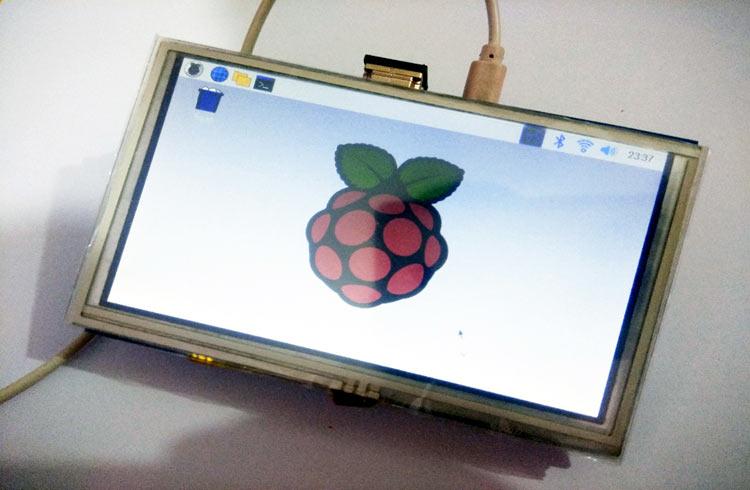 Внешний вид подключения сенсорного 5-дюймового дисплея к плате Raspberry Pi